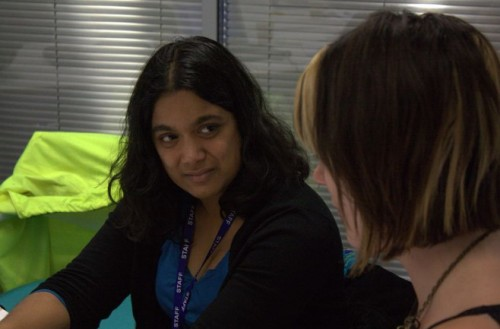 Karen Slater of the BBC helps  Prinith de Alwis Jayasinghe of Home from Hospital Care.